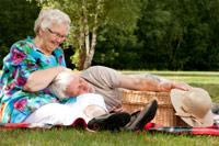 Пожилым женщинам реже, чем молодым, вырезают рак груди