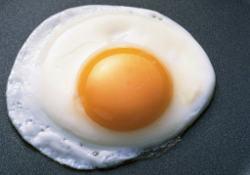Любители омлетов и яичниц рискуют умереть от рака простаты