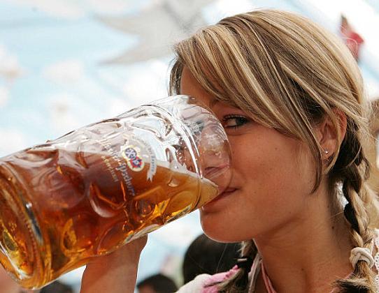 Пиво может сделать женщин несчастными