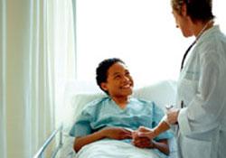 Во имя экономии средств: онкобольных могут начать лечить дома