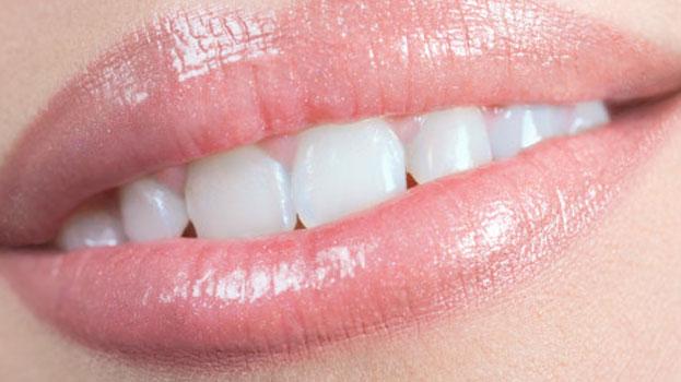Можно ли делать имплантацию зубов при  пародонтите
