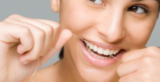 Использование зубной нити может стать причиной рака