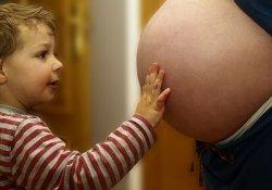 Вынашивание «детей из пробирки» опасности заболеть раком не увеличивает