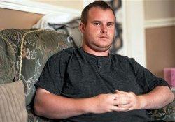 В результате грубой врачебной ошибки Кевин лишился здорового яичка