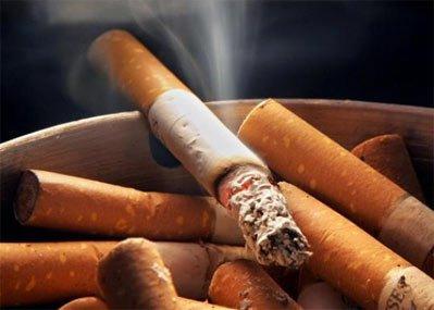 Врачи предупреждают: 20 сигарет в сутки повышают риск заболеваемости раком легких в 20 раз.