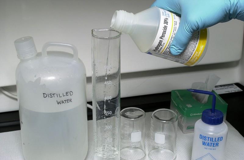 Ученые научились травить раковые клетки перекисью водорода