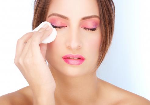 Как сохранить здоровье и молодость кожи лица и укрепить ресницы