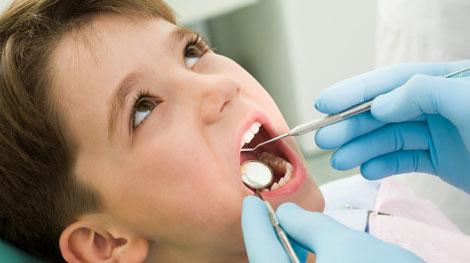 Почему к стоматологу нужно ходить с ребенком