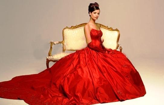Бесспорный хит свадебной моды 2014 – красный цвет!