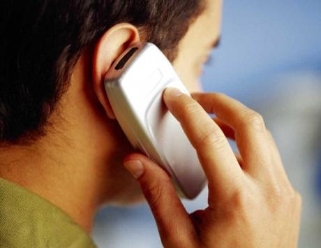 Онколог призывает ВОЗ исключить сотовые телефоны из списка причин рака