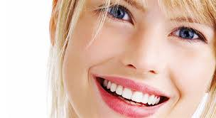 Как безопасно создать улыбку, как у голливудских звезд?