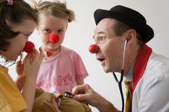 Как смехом лечат онкологические болезни