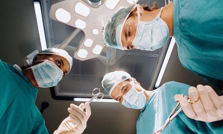 При глиоме низкой степени злокачественности применение полиохимиотерапии после радиотерапии улучшает результаты лечения