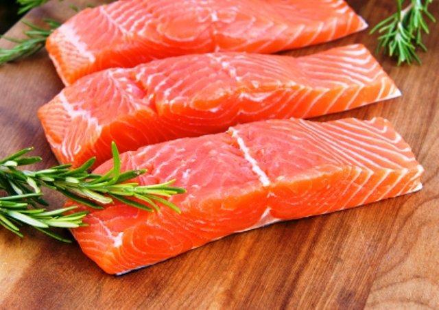 Ученые утверждают, что между раком и красной рыбой есть связь
