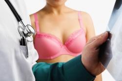 Ночник и телевизор в спальне повышают риск рака у женщин