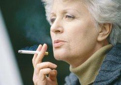 Онкология: многие выжившие продолжают курить…