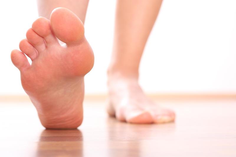 Борьба с потливостью ног