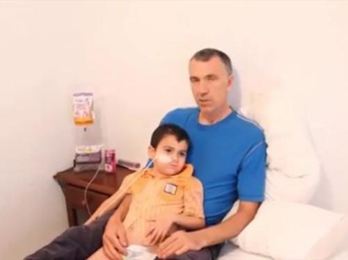 В Испании арестовали родителей больного раком пятилетнего британца