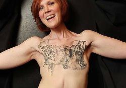 Рак груди: «селфи» поможет выбрать тату для маскировки шрама