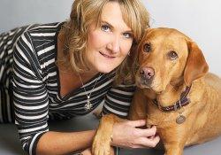 Собака, диагностировавшая рак у более чем 500 больных, награждена медалью