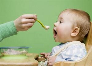 Прикорм ребенка в домашних условиях