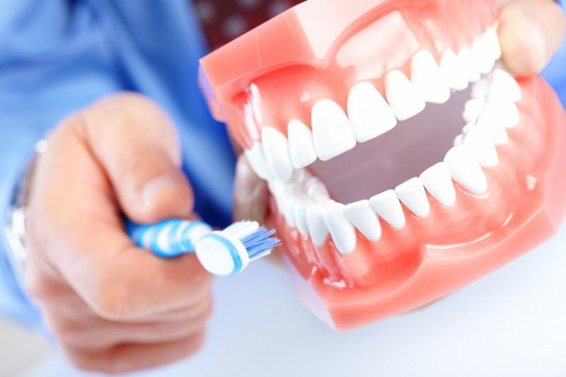 Фторирование воды и зубной пасты – чем грозит здоровью?
