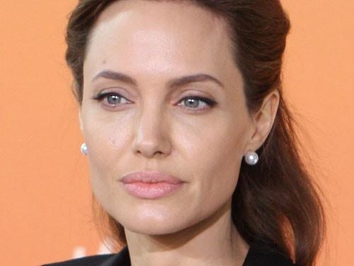 Анджелине Джоли удалили яичники с целью предотвращения рака