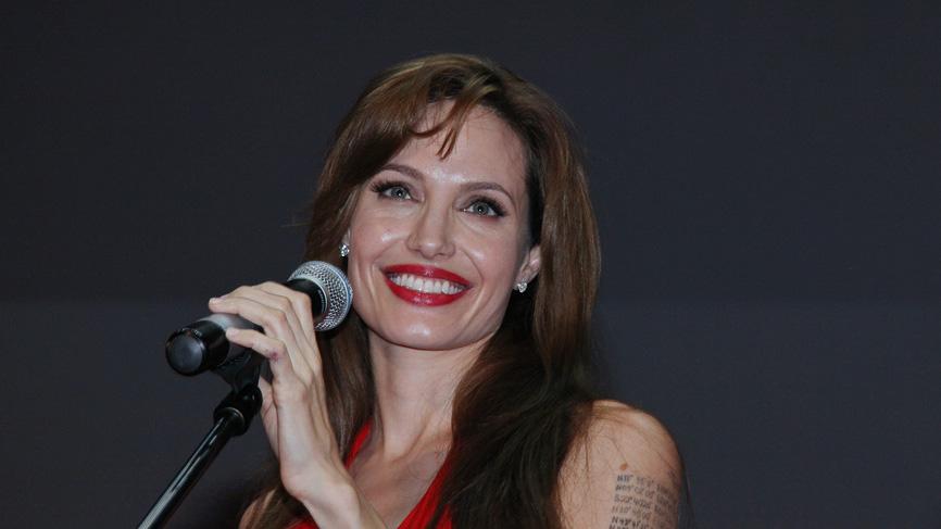 Ученые поддержали последовательниц Анджелины Джоли