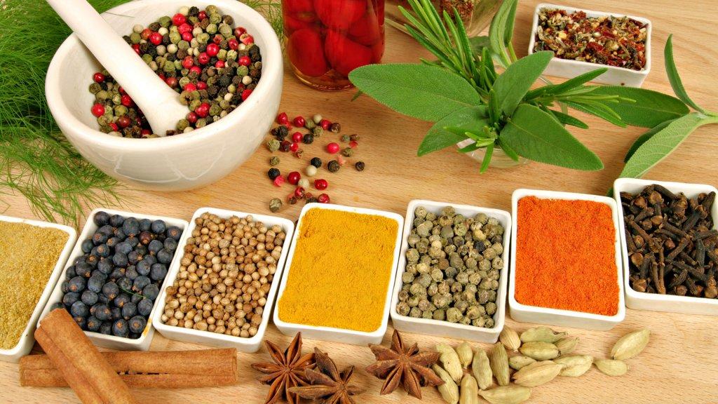 Восемь специй, необходимых для похудения (Здоровое питание)