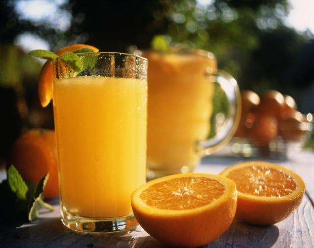 Апельсиновый сок повышает риск рака кожи