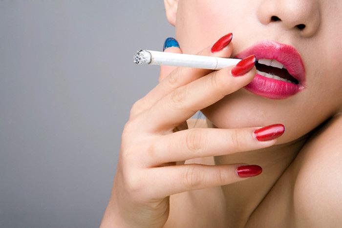 У курящих молодых женщин повышается риск развития рака груди