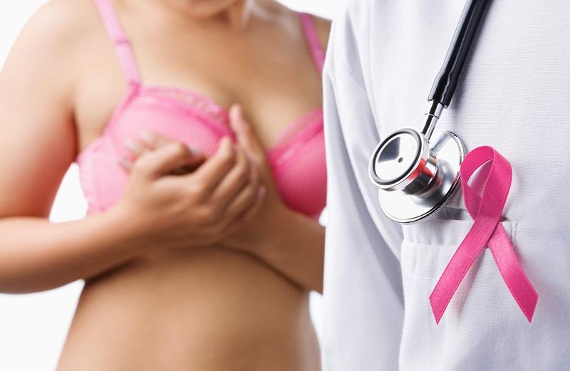 У каждой восьмой женщины развивается рак молочной железы