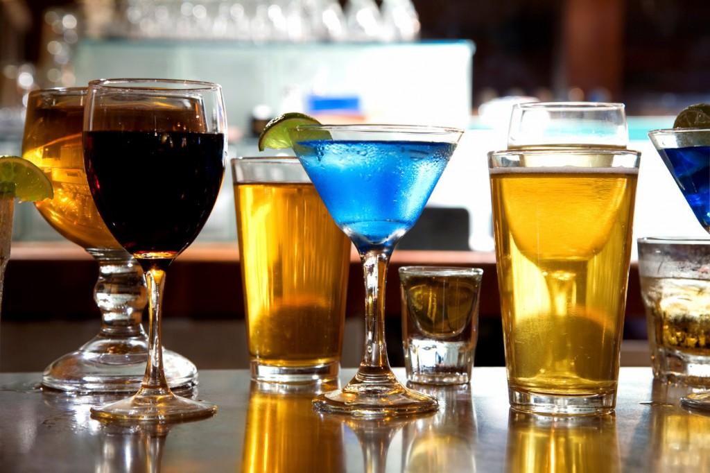 Алкоголь увеличивает риск рака груди