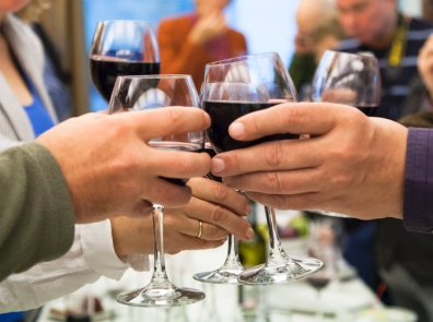 Учеными выявлено: алкоголь и в малых количествах может быть причиной рака