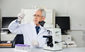 В 2016 году в Петербурге создадут лекарство от рака