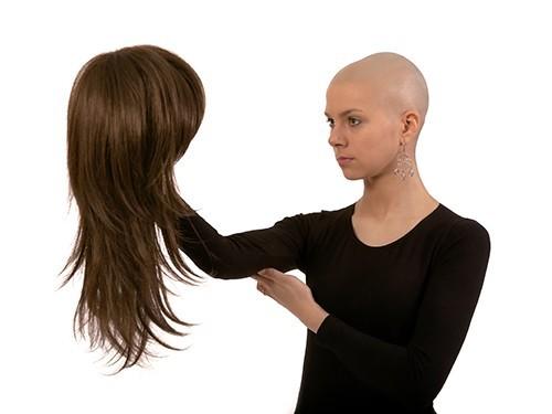Шлем, предотвращающий выпадение волос при химиотерапии, одобрен к применению в США