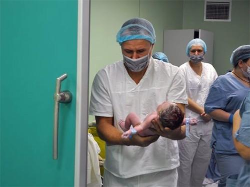 Красноярские врачи приняли роды у пациентки с раком молочной железы