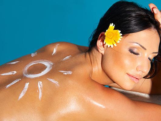 4 правила загара, которые спасут от рака кожи