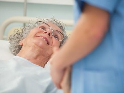 Онкологические больные, получающие паллиативный уход дома, живут дольше