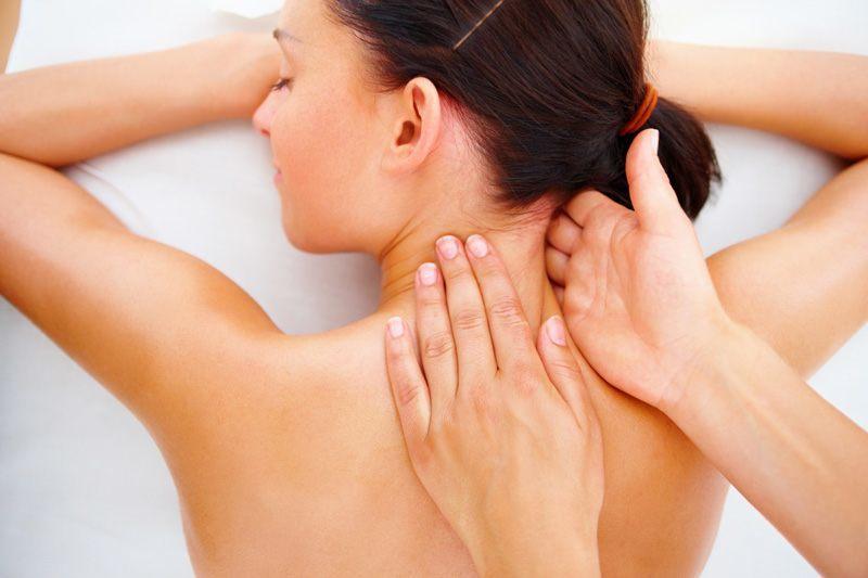 Что делать в случае обострения болей при шейном остеохондрозе?