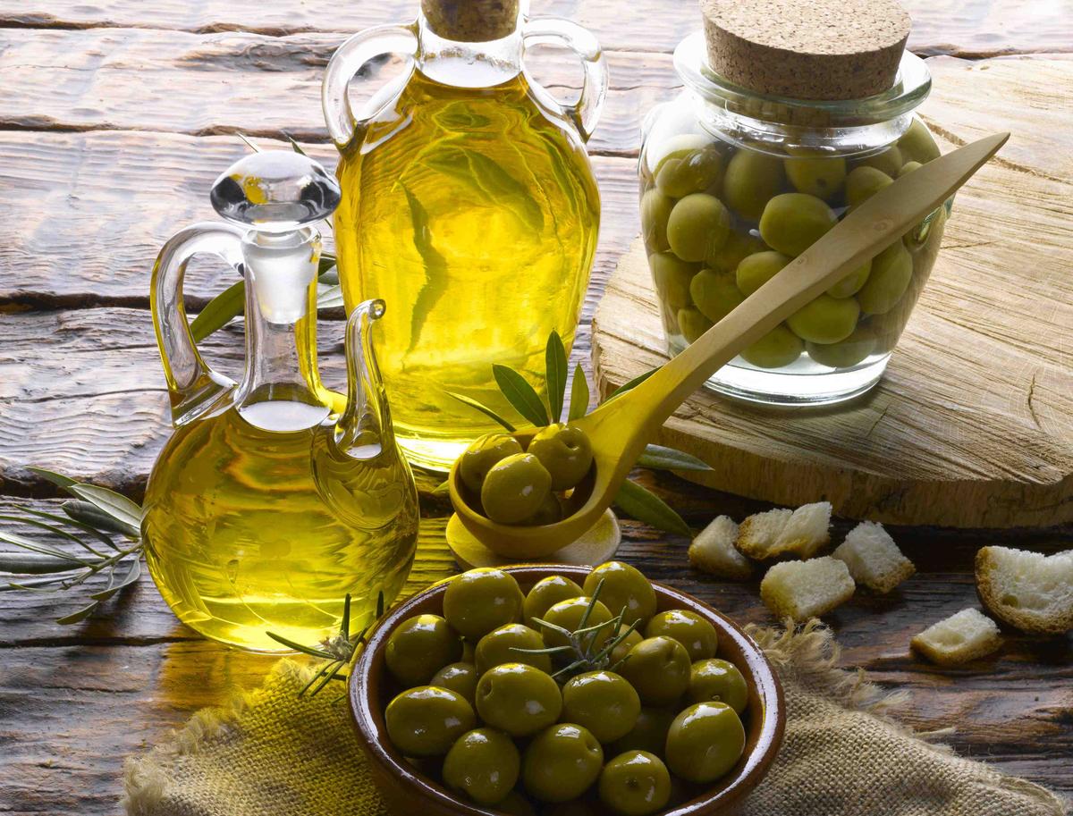 Употребление в пищу оливкового масла снижает риск развития рака