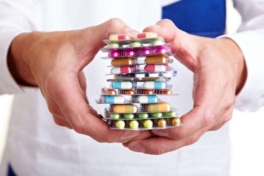 Лже-лекарство или «панацея»? В Бразилии с 20-летним опозданием начались клинические испытания экспериментального противоопухолевого препарата