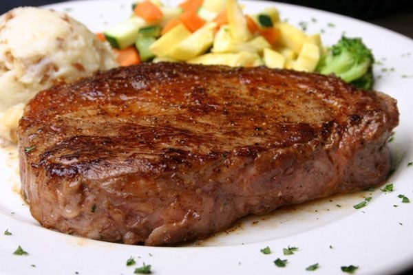 Употребление жаренного мяса удваивает риск развития рака почки
