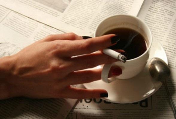 Курение утром причиняет наибольший вред организму, доказали ученые