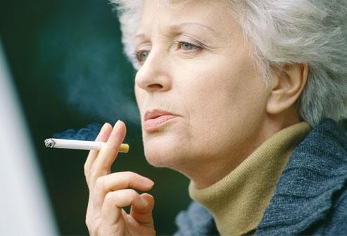 Гормоны провоцируют рак легких у курящих женщин