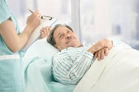Как обеспечить правильный уход за лежачими больными