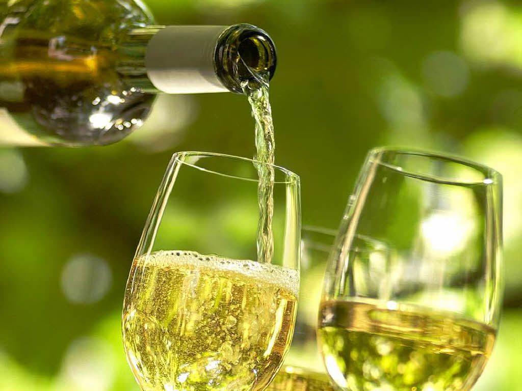 Белое вино увеличивает риск развития рака кожи
