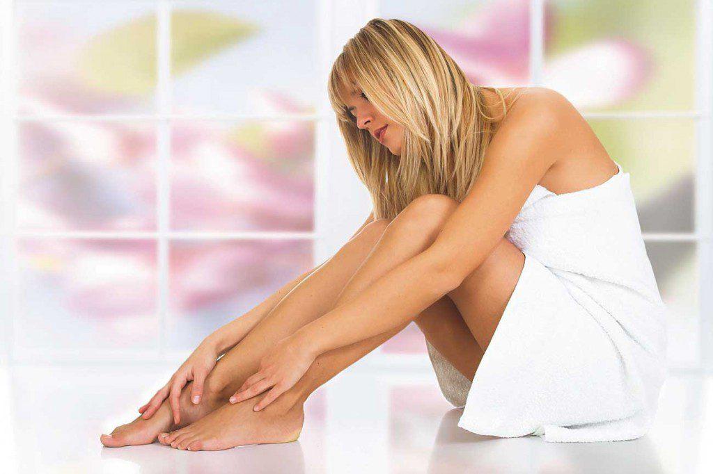 Выпирающая болезненная косточка на ноге. Стоит ли терпеть боль или есть другие способы борьбы и лечения?