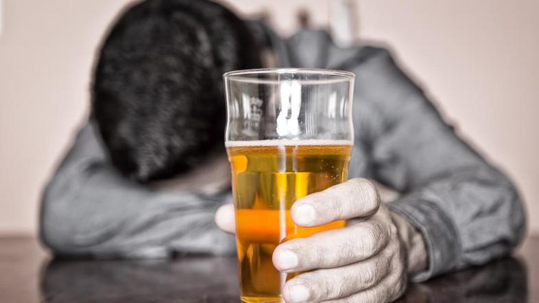 Алкоголь в любых дозах повышает риск возникновения рака