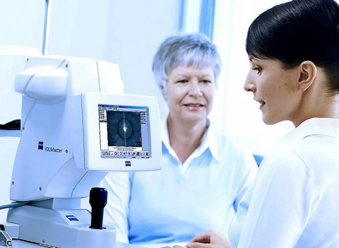 Особенности проведения операции катаракты